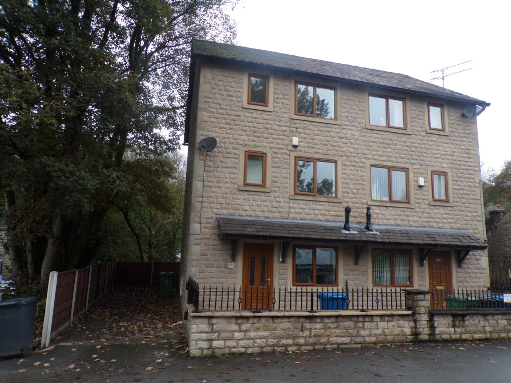 Bolton Road West, Holcombe Brook BL0